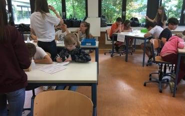 Die dritten Klassen besuchen das CFG mit dem MINT Projekt