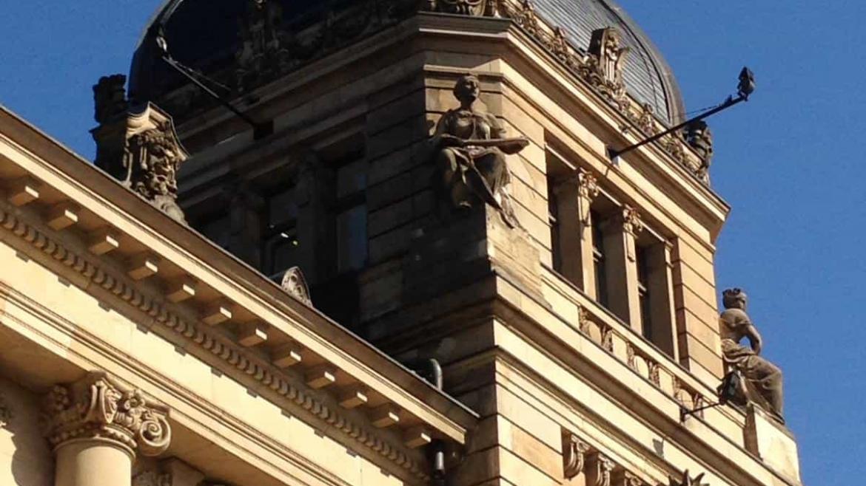 """Die Klassen 4a & 4b waren beim Schulkonzert """"Mozart"""" in der Historischen Stadthalle"""