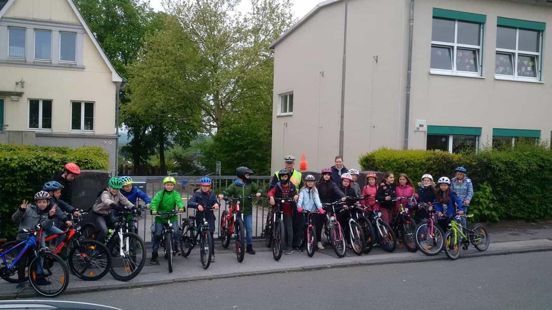 Fahrradübung 2019 mit der Klasse 4b und Herrn Brandenstein