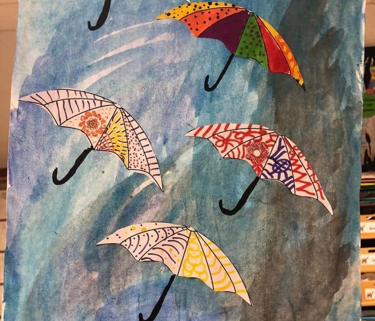 Bunte Regenschirme im Herbst von der Klasse 2A
