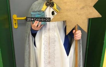 Die Sternsinger zu Besuch in den Religionsgruppen der 4. Klassen: